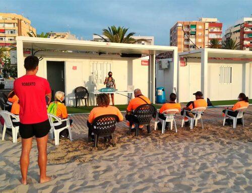 El servicio de limpieza de playas de la SAG participa en una jornada formativa sobre fauna marina